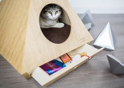 The cat cave with drawer for accessories of your cat